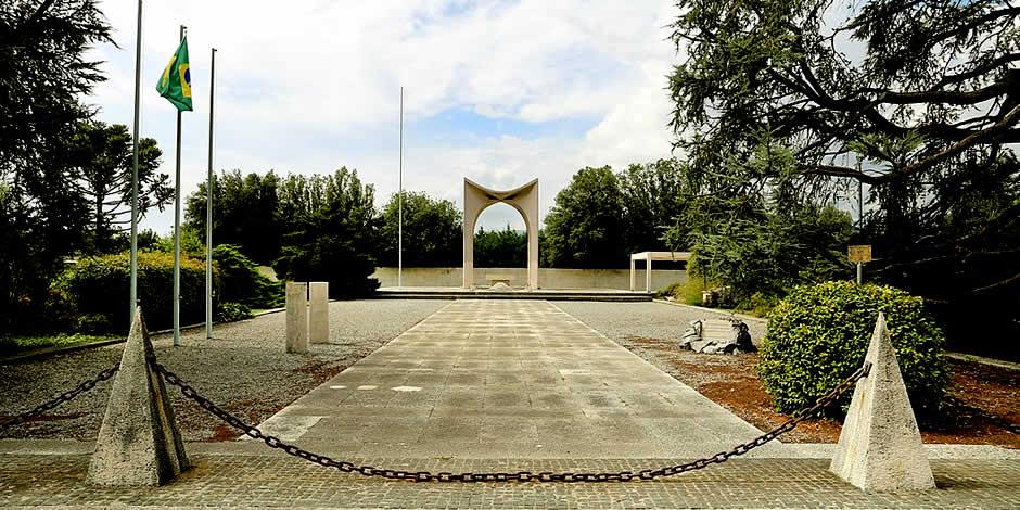 Pistoia - Monumento votivo al militare brasiliano